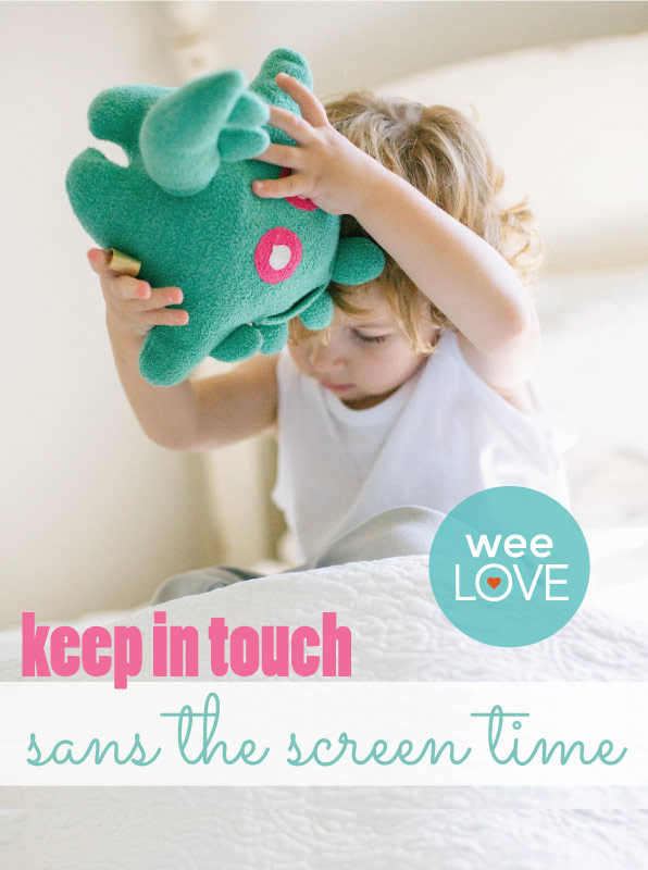weelove-toymail-pin